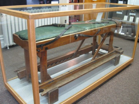 The strapping bench
