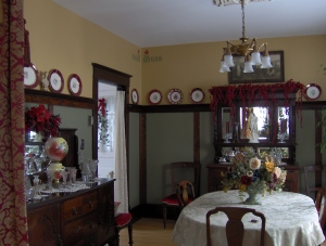 Old House dining room at Christmas
