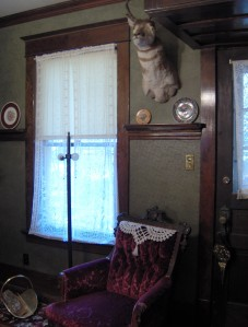 Victorian colours in a den