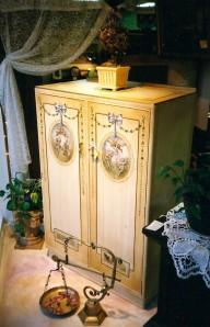 Handpainted wardrobe by Johanne Yakula
