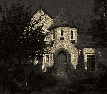A full moon makes any house look haunted