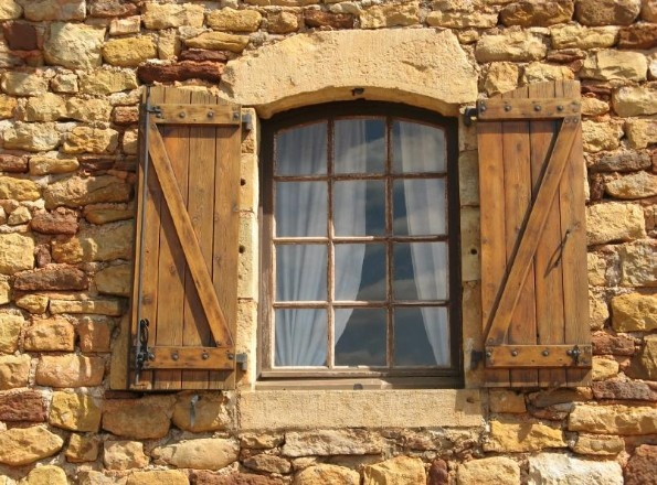 Old Windows And The Shattering Of A Myth About Glass