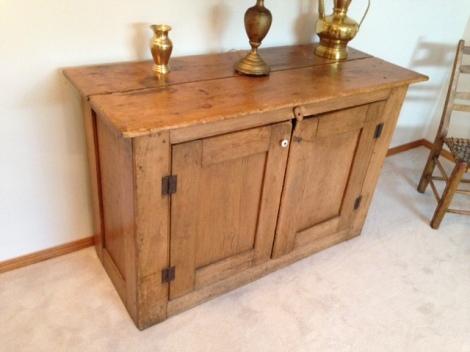 pine-cupboard