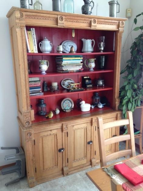 pine-dish-cupboard